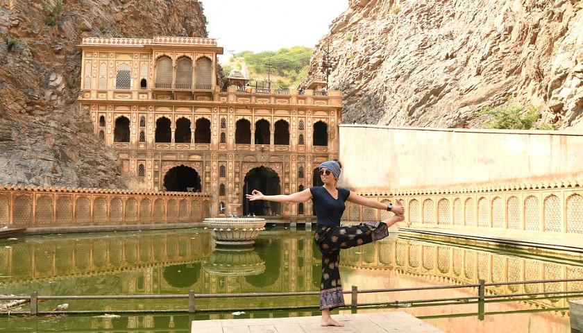 2019/10/AH-17034-GaltaJi-Monkey-Temple-Jaipur-Tours.jpg