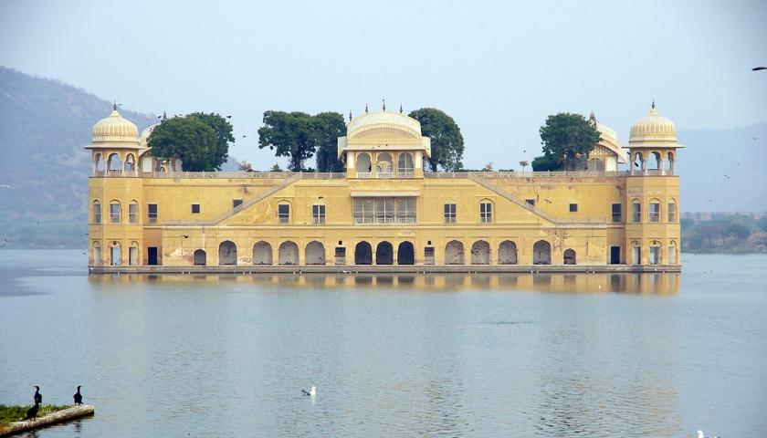 2019/10/AH-32663-Jal-Mahal-Jaipur-Tours.jpg