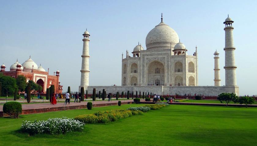 2020/04/AH-57754-Taj-Mahal-Agra-Tours.jpg
