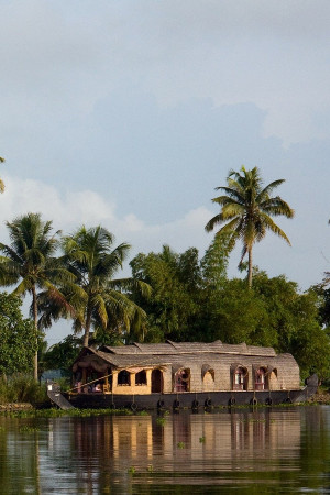 kerala-backwaters-tours